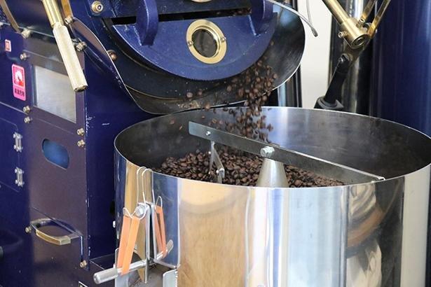 コーヒー豆の焙煎の様子