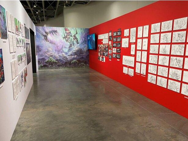 「今石洋之の世界」より「天元突破グレンラガンの世界」の展示
